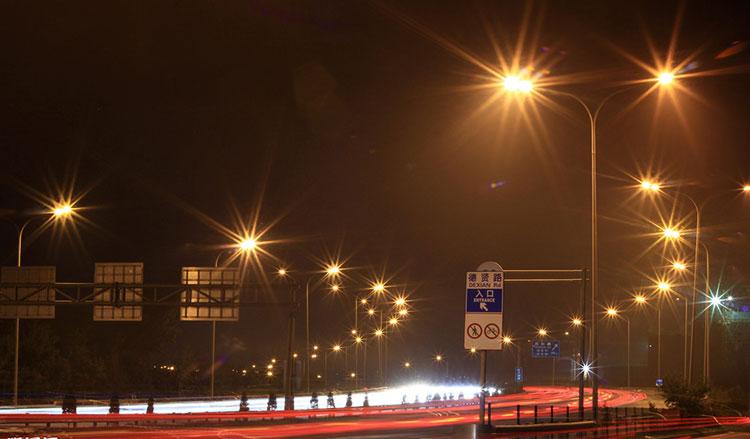 英国led路灯光太亮影响睡眠,dali调光电源可解燃眉之急?